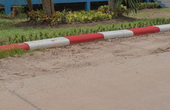 Άσπρος και κόκκινο κανένας χώρος στάθμευσης, νόμος κυκλοφορίας, υπόβαθρο Στοκ Εικόνες