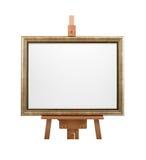 Άσπρος καμβάς ζωγράφων στο πλαίσιο ξύλινο easel που απομονώνεται στο λευκό Στοκ Εικόνες