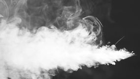 Άσπρος καπνός που και που επιπλέει στο διάστημα απόθεμα βίντεο