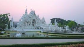 Άσπρος ναός στο ηλιοβασίλεμα, Chiang Rai, Ταϊλάνδη απόθεμα βίντεο