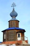 άσπρος ξύλινος της Ρωσίας βουνών παρεκκλησιών perm Στοκ Εικόνες