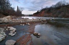 Άσπρος ποταμός στον Καύκασο Στοκ Εικόνα