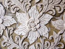 Άσπρος ταϊλανδικός τοίχος στόκων τέχνης στον ταϊλανδικό ναό Στοκ Εικόνες