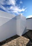 Άσπρος χρωματισμένος τοίχος Στοκ φωτογραφία με δικαίωμα ελεύθερης χρήσης