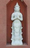 Άσπρο άγαλμα αγγέλου αρχιτεκτονικής Στοκ Φωτογραφίες