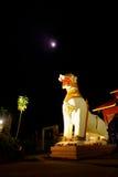 Άσπρο άγαλμα λιονταριών της ASEAN σε Chedi Buddhakhaya Στοκ εικόνα με δικαίωμα ελεύθερης χρήσης