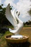Άσπρο άγαλμα τσιμέντου χήνων στοκ εικόνες με δικαίωμα ελεύθερης χρήσης