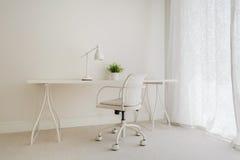 Άσπρο αναδρομικό γραφείο Στοκ Εικόνες