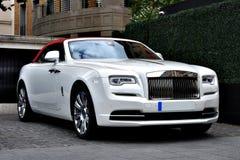 Άσπρο αυτοκίνητο πολυτέλειας Rolls-$l*royce Στοκ Φωτογραφίες