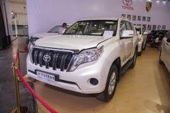 Άσπρο αυτοκίνητο της TOYOTA στοκ εικόνα με δικαίωμα ελεύθερης χρήσης
