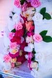 Άσπρο γαμήλιο κέικ Στοκ φωτογραφία με δικαίωμα ελεύθερης χρήσης