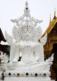 Άσπρο γλυπτό Ταϊλανδός του Βούδα Στοκ εικόνες με δικαίωμα ελεύθερης χρήσης
