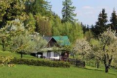Άσπρο εξοχικό σπίτι Στοκ Εικόνες