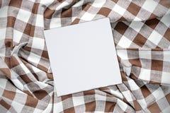 Άσπρο και καφετί ελεγχμένο ύφασμα Στοκ Εικόνες