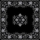 Άσπρο και μαύρο σχέδιο Bandana με τα τριαντάφυλλα Διανυσματικό τετράγωνο τυπωμένων υλών Στοκ Φωτογραφίες