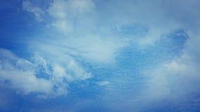 Άσπρο καλοκαίρι σύννεφων timelapse φιλμ μικρού μήκους