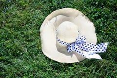 Άσπρο καπέλο αχύρου Στοκ Εικόνα