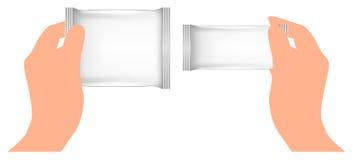 Άσπρο κενό φύλλο αλουμινίου που συσκευάζει υπό εξέταση Πρότυπο πακέτων έτοιμο για το σχέδιό σας Στοκ Φωτογραφίες