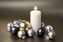 Άσπρο κερί Χριστουγέννων στοκ φωτογραφία με δικαίωμα ελεύθερης χρήσης