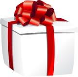 Άσπρο κιβώτιο δώρων με την κόκκινη κορδέλλα Στοκ Εικόνες