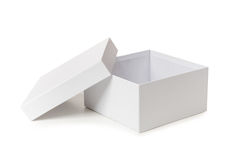 Άσπρο κιβώτιο που απομονώνεται στο άσπρο σκηνικό Στοκ εικόνα με δικαίωμα ελεύθερης χρήσης