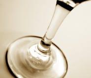 άσπρο κρασί αποθεμάτων φωτογραφιών γυαλιού ανασκόπησης Στοκ Εικόνες