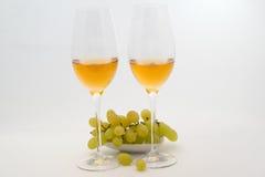 άσπρο κρασί γυαλιού Στοκ Φωτογραφίες