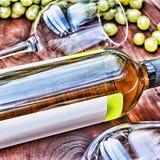 άσπρο κρασί μπουκαλιών thanksgiving στοκ φωτογραφίες
