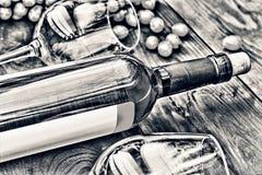 άσπρο κρασί μπουκαλιών thanksgiving στοκ φωτογραφία