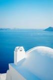 Άσπρο κτήριο στο νησί Santorini, Oia, Ελλάδα Στοκ φωτογραφίες με δικαίωμα ελεύθερης χρήσης