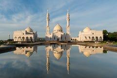Άσπρο μουσουλμανικό τέμενος Στοκ Φωτογραφία