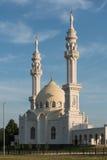 Άσπρο μουσουλμανικό τέμενος Στοκ εικόνα με δικαίωμα ελεύθερης χρήσης