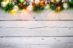 Άσπρο ξύλινο υπόβαθρο Χριστουγέννων Στοκ Εικόνες
