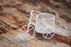 Άσπρο ποδήλατο Στοκ Εικόνες