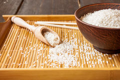 Άσπρο ρύζι και chopsticks Στοκ Φωτογραφίες