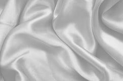 Άσπρο σατέν σύστασης, μετάξι Στοκ εικόνες με δικαίωμα ελεύθερης χρήσης