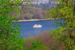 Άσπρο σκάφος Στοκ Εικόνα