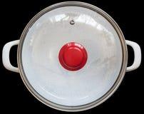 Άσπρο σμαλτωμένο δοχείο αποθεμάτων με το ανθεκτικό καπάκι γυαλιού ρεικιών που απομονώνεται στο μαύρο υπόβαθρο Στοκ φωτογραφία με δικαίωμα ελεύθερης χρήσης