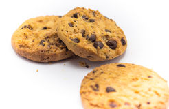 Άσπρο υπόβαθρο μπισκότων τσιπ σοκολάτας Στοκ εικόνες με δικαίωμα ελεύθερης χρήσης