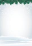 Άσπρο υπόβαθρο Χριστουγέννων με το δέντρο και το χιόνι πεύκων Στοκ Φωτογραφία