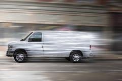 Άσπρο φορτηγό στοκ εικόνα με δικαίωμα ελεύθερης χρήσης