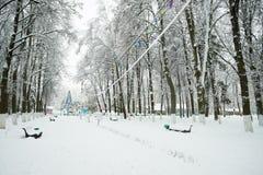 Άσπρο χιονώδες τοπίο στο Winter Park Στοκ Εικόνα