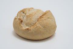 Άσπρο ψωμί στον πίνακα Στοκ Εικόνες