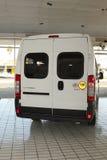 Άσπρο Citroà «ν φορτηγό εμπορικών μεταφορών ηλεκτρονόμων ελαφρύ Στοκ Φωτογραφία