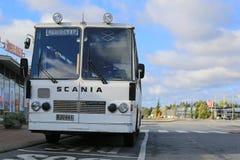 Άσπρο Scania Lahti 20 λεωφορείο από τη δεκαετία του '70 Στοκ εικόνα με δικαίωμα ελεύθερης χρήσης