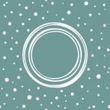 Άσπρο shabby στρογγυλό πλαίσιο στο μπλε υπόβαθρο σκονών με συρμένους τους χέρι μικρούς άσπρους κύκλους και τα σημεία Στοκ εικόνες με δικαίωμα ελεύθερης χρήσης