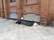 άστεγοι ύπνοι στην οδό Στοκ φωτογραφία με δικαίωμα ελεύθερης χρήσης