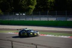 Άστον Martin που συναγωνίζεται V8 την πλεονέκτήν δοκιμή GTE σε Monza Στοκ εικόνα με δικαίωμα ελεύθερης χρήσης