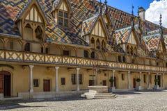 Άσυλα de Beaune ή ξενοδοχείο-Dieu de Beaune - Beaune - Γαλλία στοκ εικόνες