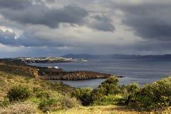 Άσχημος καιρός πέρα από τη Μεσόγειο θάλασσας, Ελλάδα στοκ εικόνες